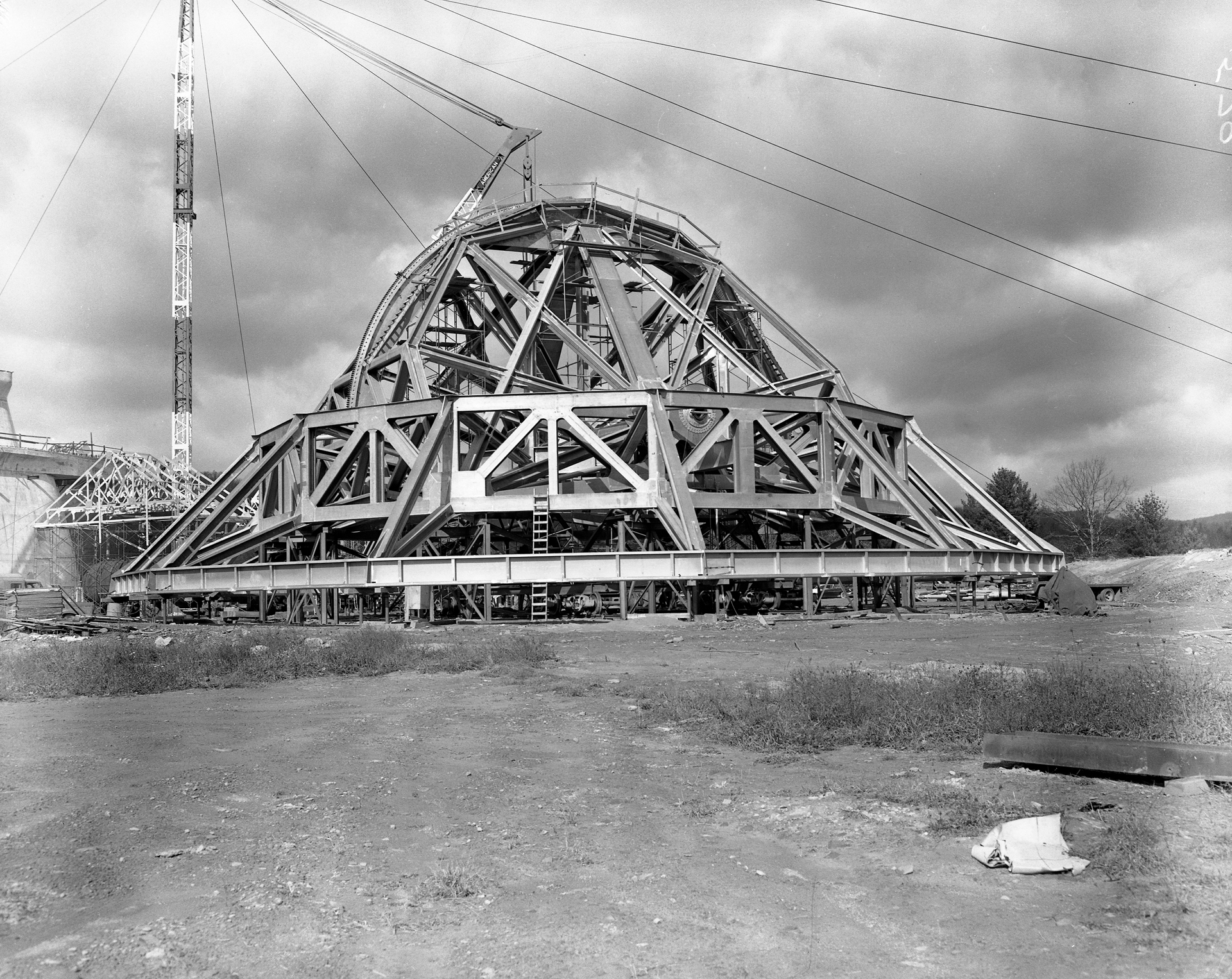 Backup structure of the 140-foot telescope