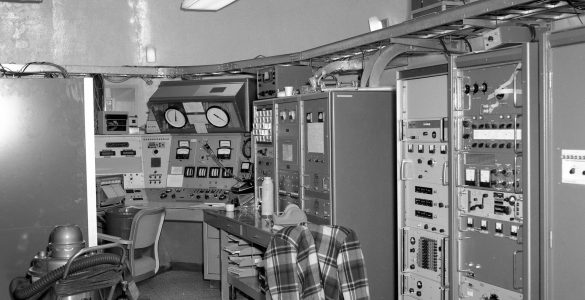Control room for the 140-foot telescope