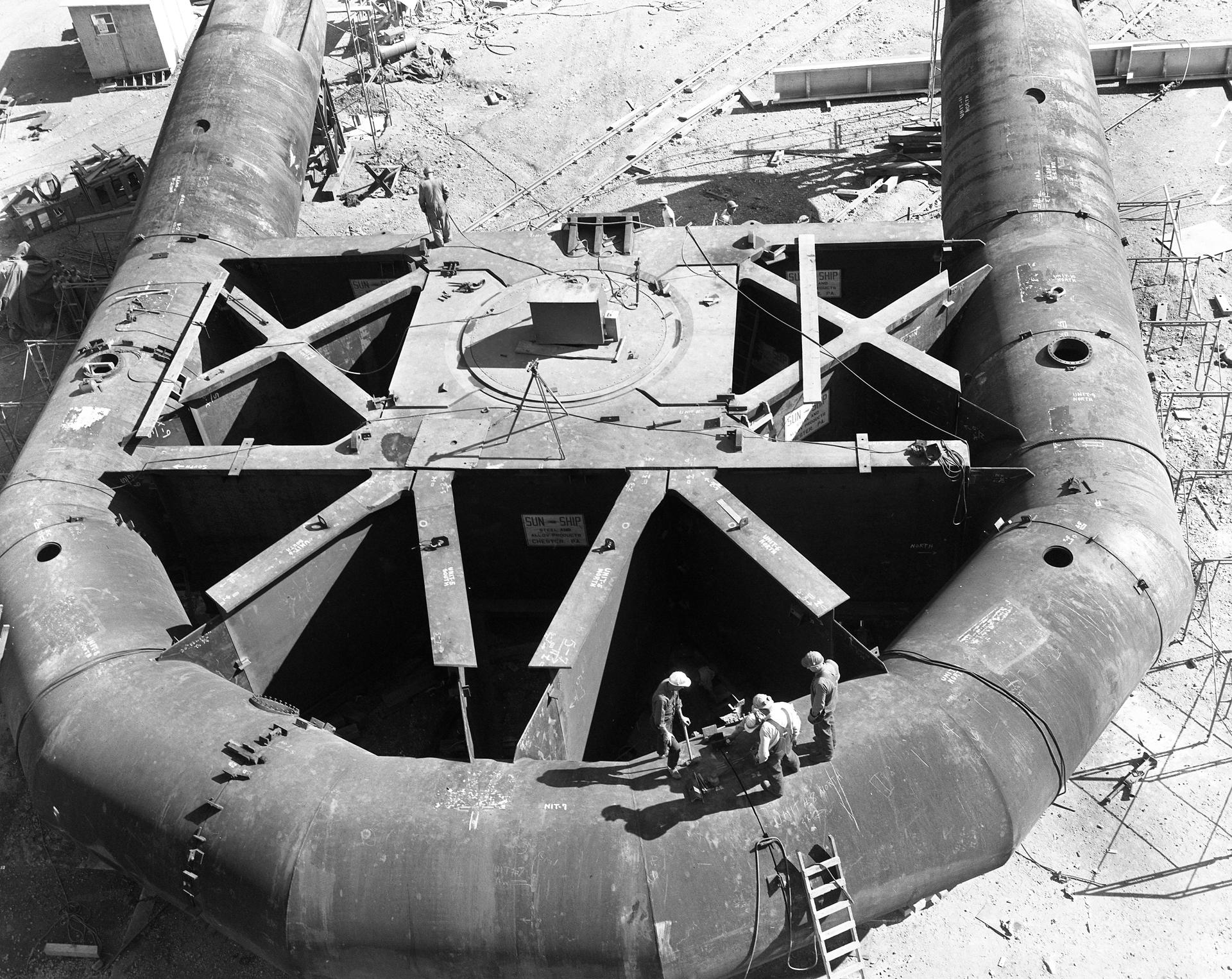 Yoke of the 140-foot telescope