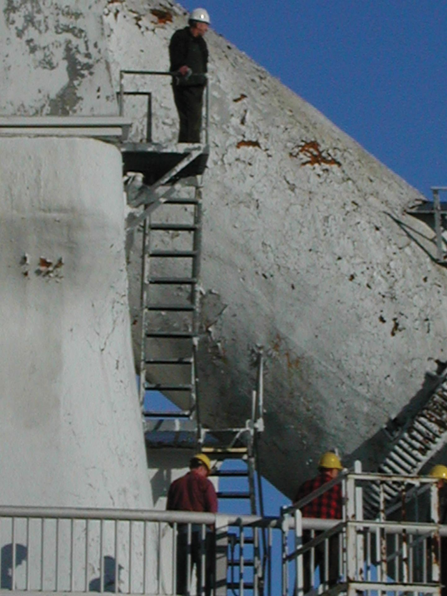 Maintenance on the 140-ft Polar Shaft
