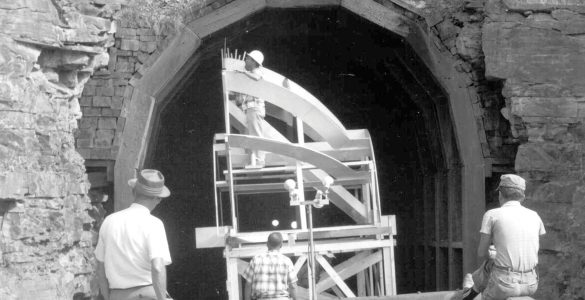 Transporting parts of the 140-foot telescope to Green Bank