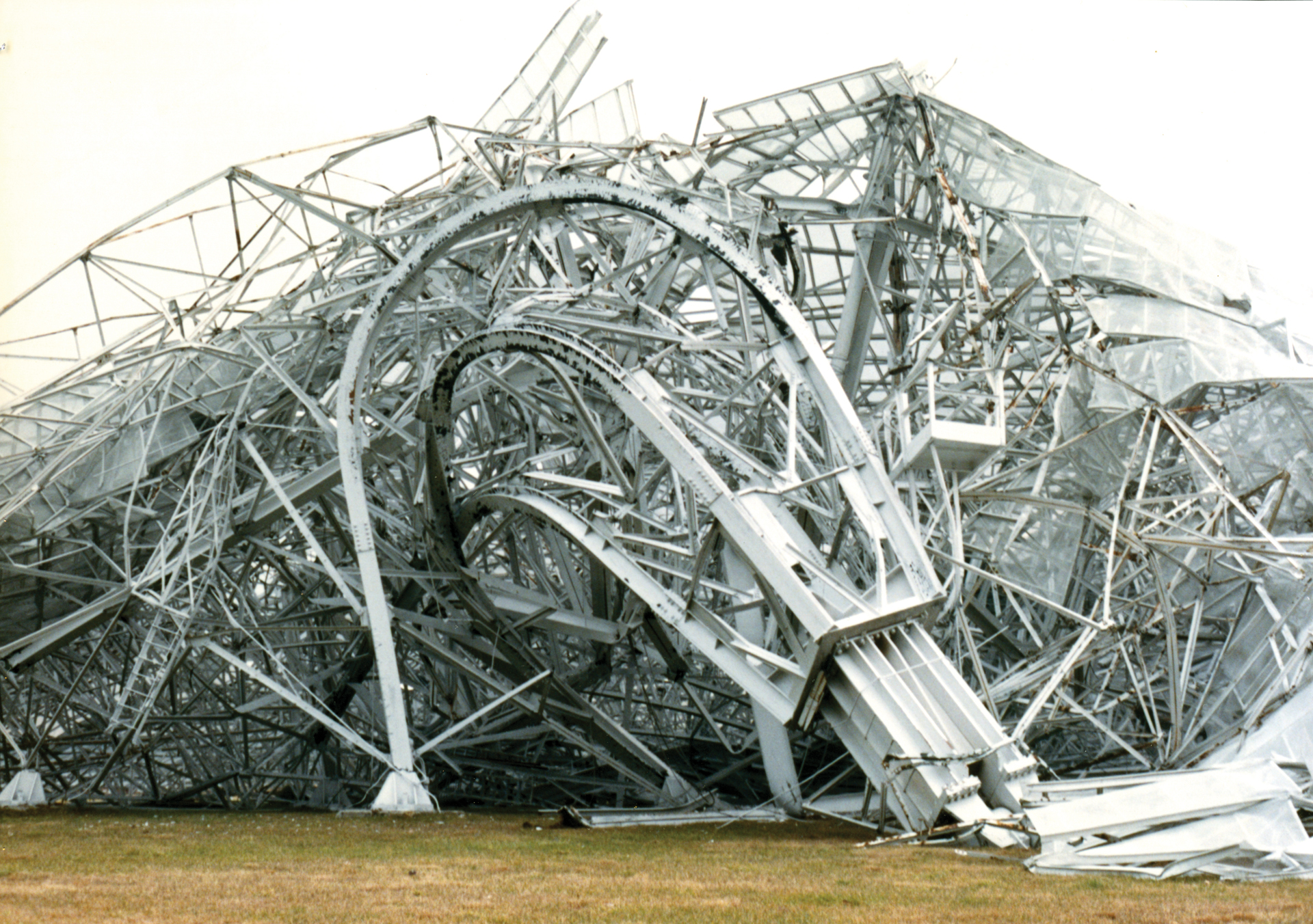 Collapsed metal of the 300-foot telescope