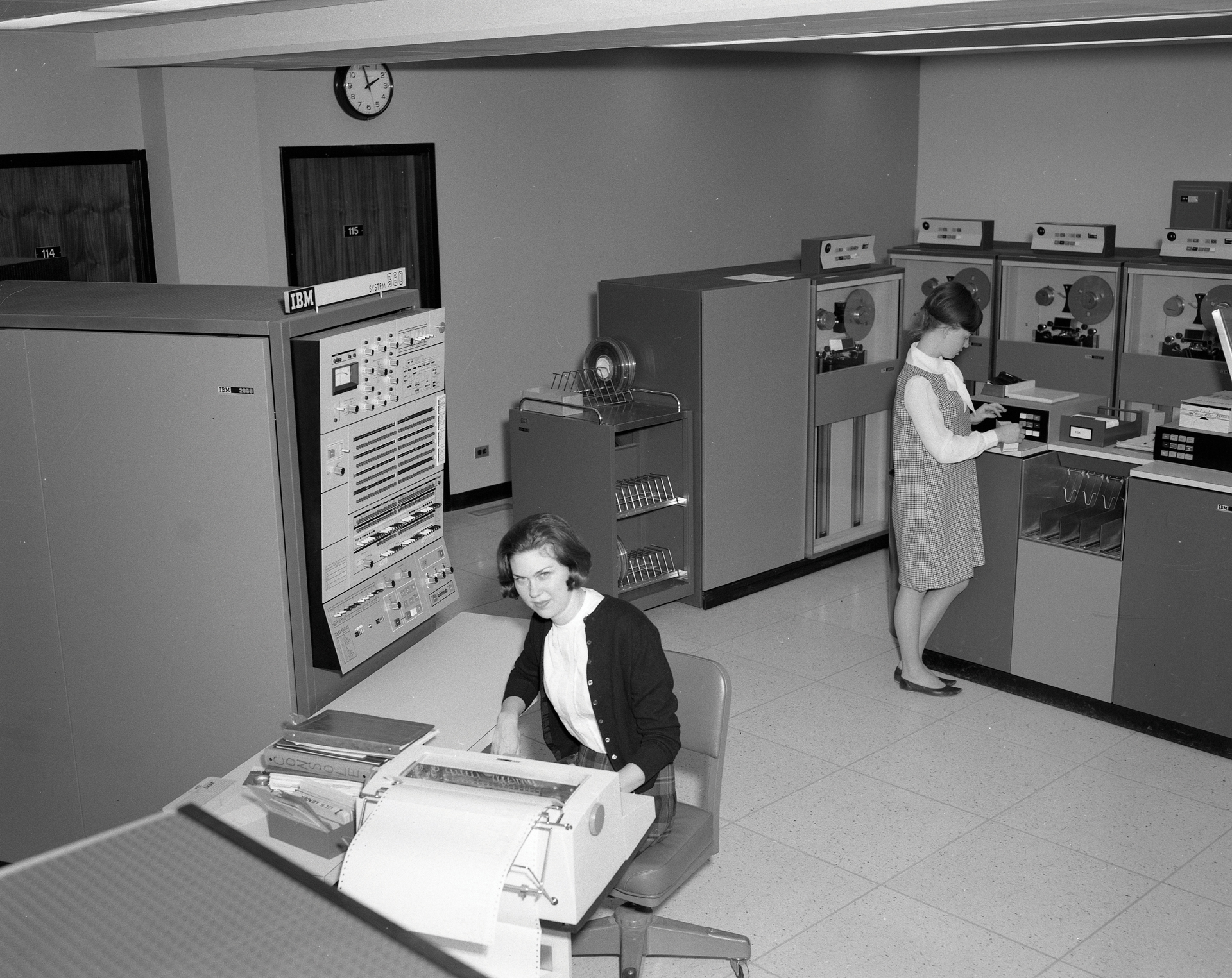 NRAO's Early Computers