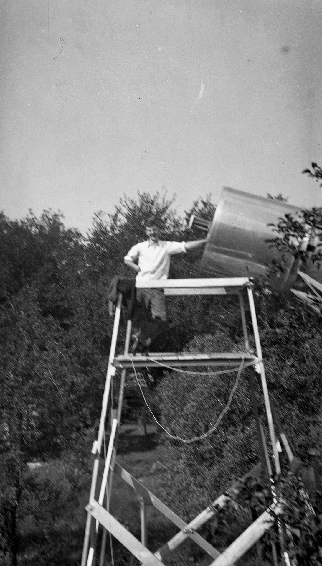 Grote Reber and his telescope