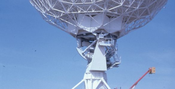 VLA antenna and transporter