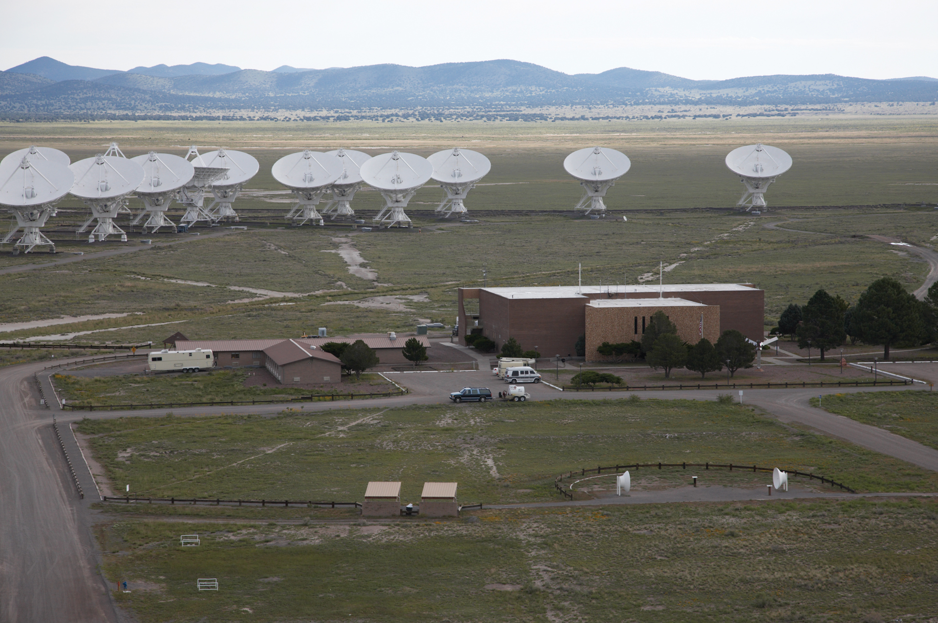 VLA antennas and Control Building
