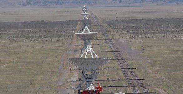 VLA antennas and transporter