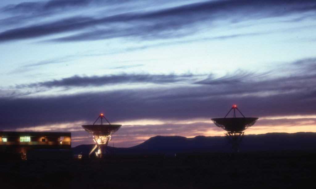 VLA Antennas with air traffic lights