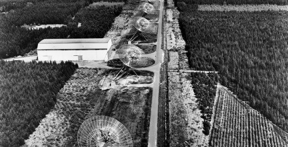 The Westerbork Synthesis Radio Telescope (WSRT)