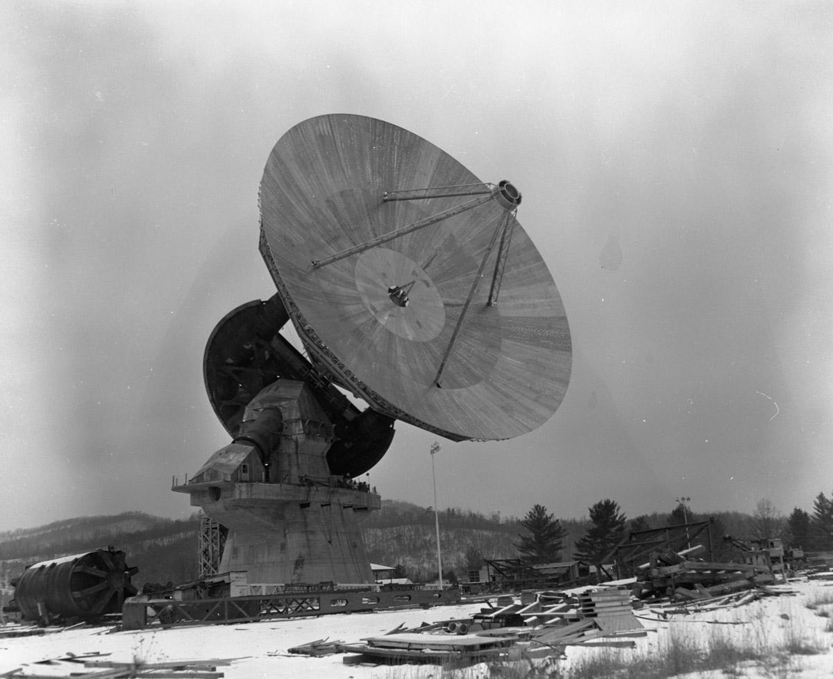 NRAO's Iconic 140-Foot Radio Telescope Celebrates 50 Years ...