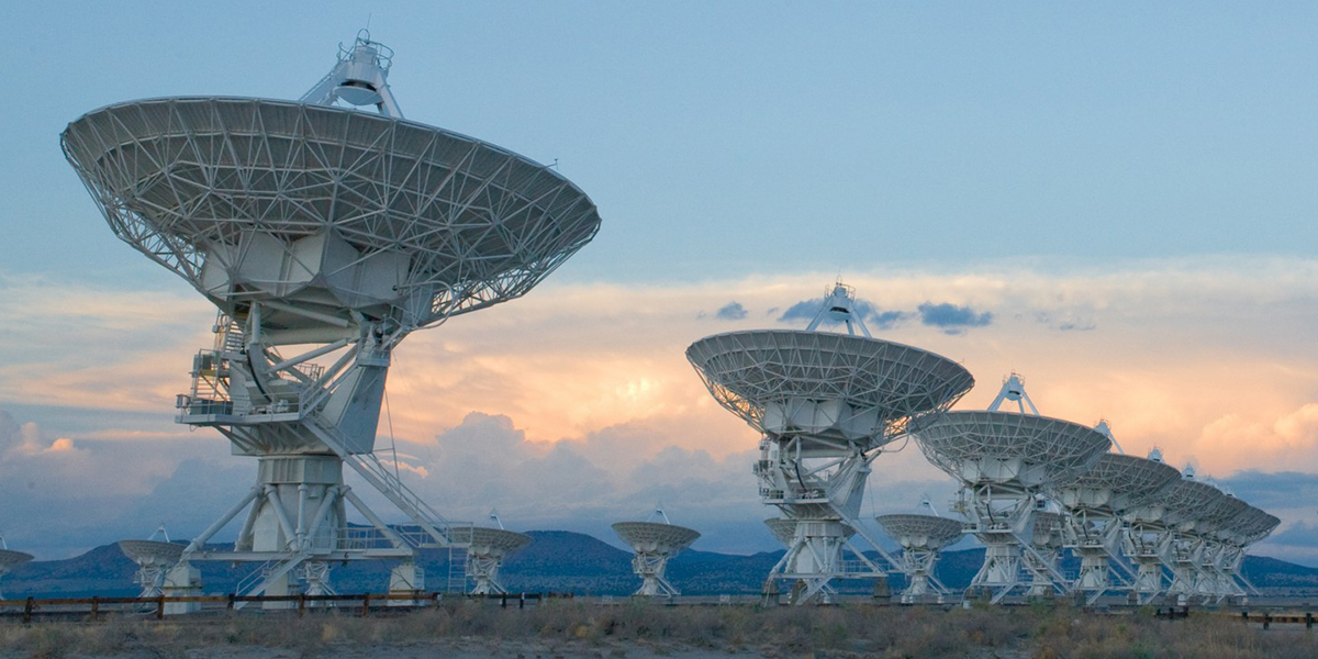 https://public.nrao.edu/wp-content/uploads/2016/04/vla_panorama_med-1.jpg