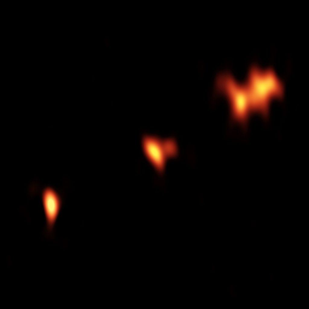 VLBA continuum image of QSO P352–15
