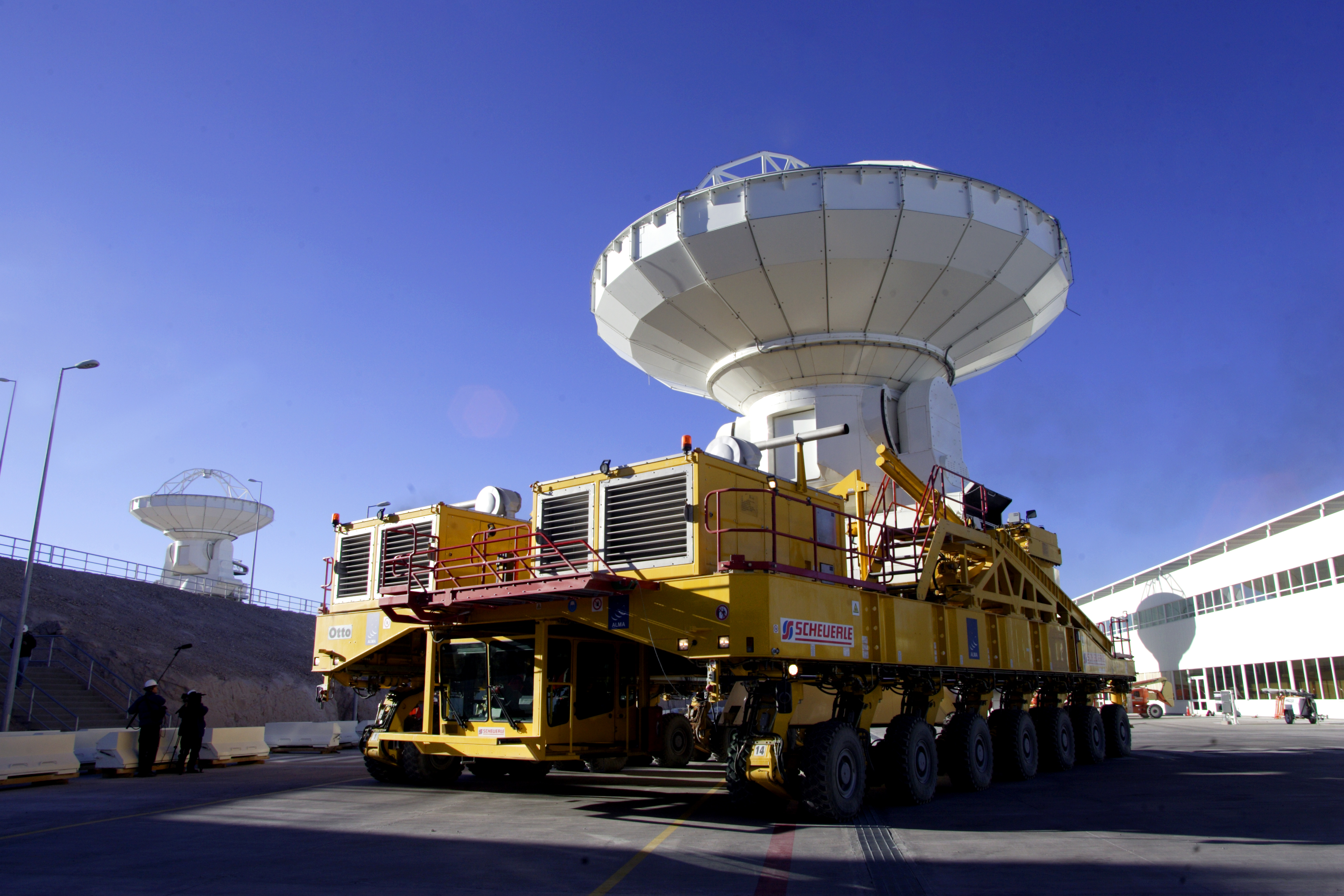 ALMA antenna and Transporter